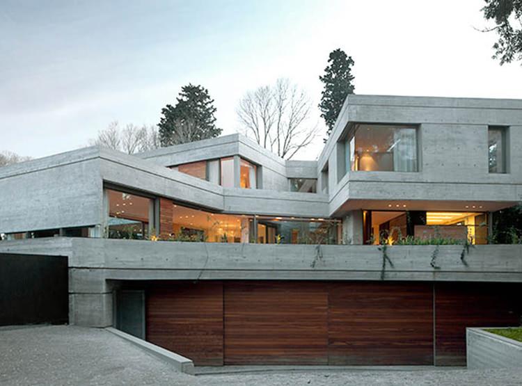 Casa Acassuso / Arquitecto Andrés Remy