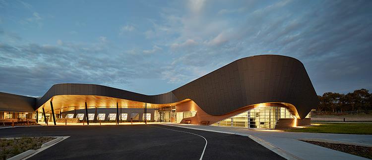 kyneton-ambulatory-care-centre-charles-wright-architects