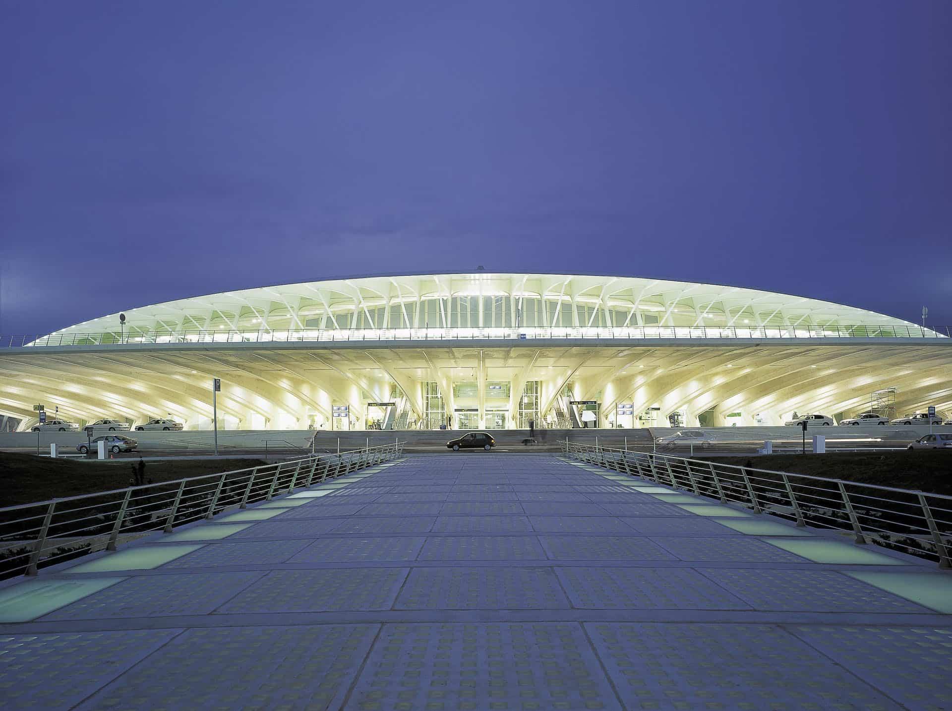 bilbao-sondica-airport-01