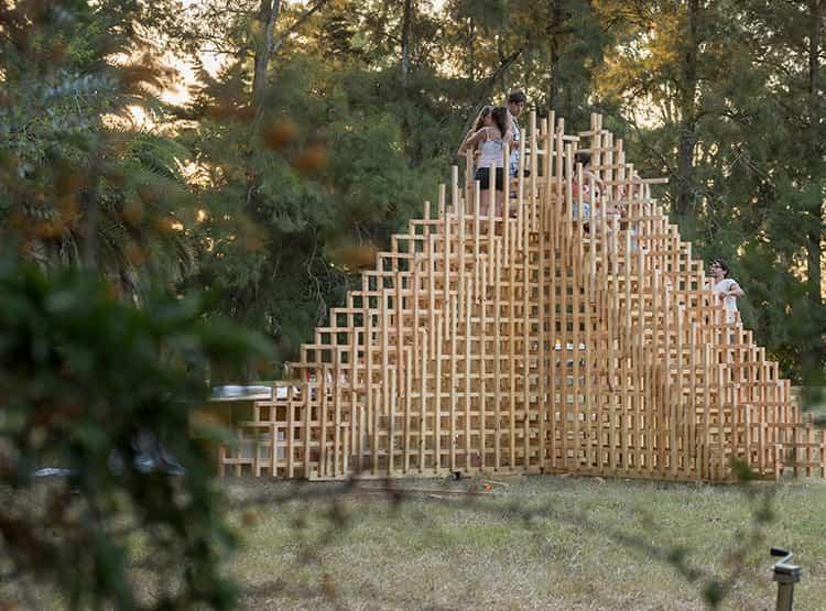 Cumbre Equis de Gastaldi Guerra / Hello Wood Argentina